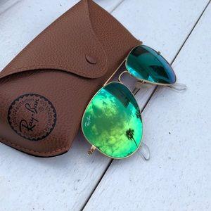 Women's Ray Ban aviator flash lens green/gold.